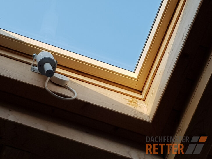 Medium Size of Wartung Reparatur Veluarchive Dachfenster Retter Velux Fenster Ersatzteile Preise Rollo Kaufen Einbauen Wohnzimmer Velux Scharnier
