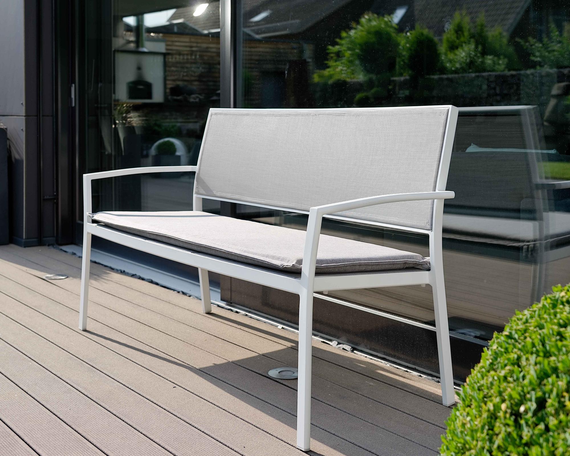 Full Size of Aldi Gartenbank Rattan Klappbar 2020 2017 2018 2019 Weiss Aluminium Relaxsessel Garten Wohnzimmer Aldi Gartenbank