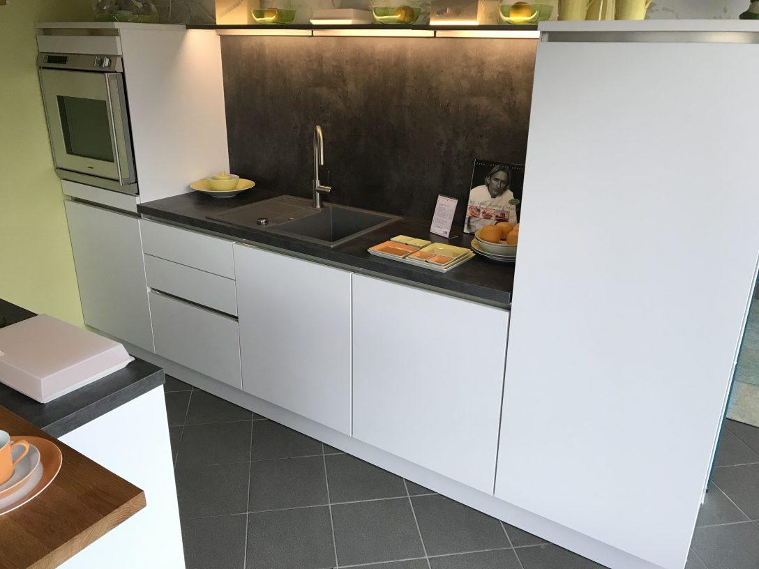 Full Size of Poggenpohl Küchen Ghring Kche Ausstellungsstck Nolte Grifflose Eiche Regal Wohnzimmer Poggenpohl Küchen