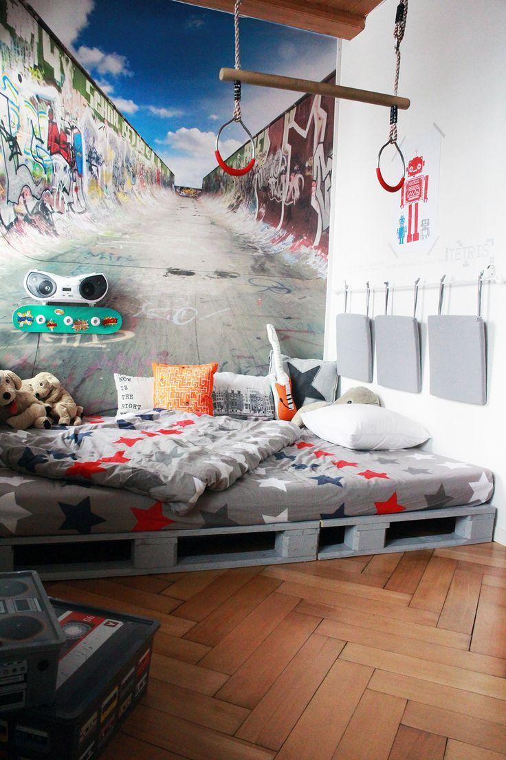 Full Size of Zimmer Teenager Yves Room Fototapete Schlafzimmer Wohnzimmer Lampen Liege Betten Deckenleuchte Teppich Badezimmer Heizung Designer Neu Gestalten Tapeten Wohnzimmer Zimmer Teenager