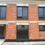 Bodentiefe Fenster Abdichten Wassereintritt Bei Bodentiefen Fenstern Bauforum Auf Einbauen Insektenschutzrollo Rc 2 Bodentief Velux Rollo Zwangsbelüftung Wohnzimmer Bodentiefe Fenster Abdichten