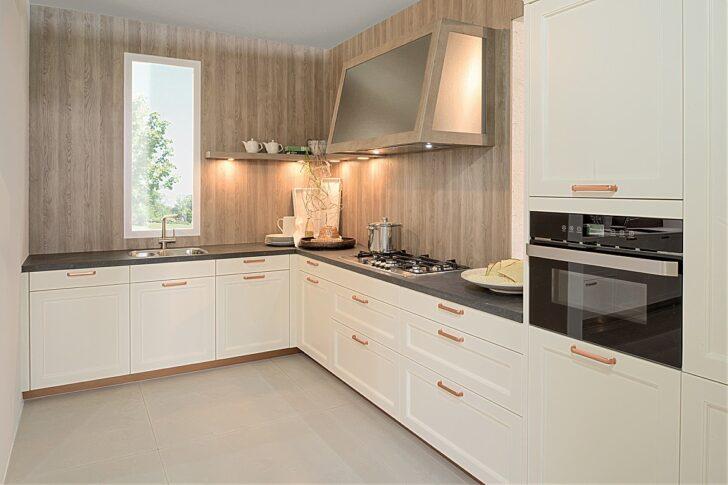 Medium Size of Landhausküche Wandfarbe Weiß Grau Moderne Weisse Gebraucht Wohnzimmer Landhausküche Wandfarbe