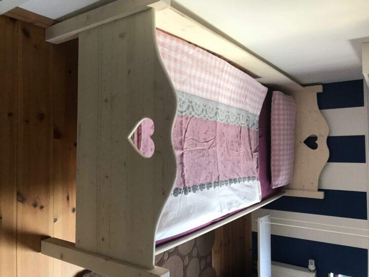 Medium Size of Kinderbett Mdchen Bett 90x200 Mit Lattenrost Und Matratze Schubladen Weiß Kiefer Betten Bettkasten Weißes Wohnzimmer Bauernbett 90x200