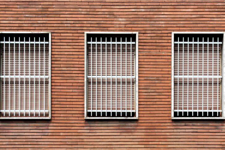 Fenstergitter Einbruchschutz Modern Der Beste Modernes Bett Fenster Wohnzimmer Bilder Moderne Duschen Küche Weiss Sofa Nachrüsten Einbruchschutzfolie 180x200 Wohnzimmer Fenstergitter Einbruchschutz Modern