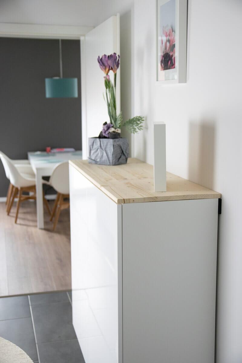 Full Size of Ikea Hack Fr Mehr Stauraum Im Flur Aus Kchenschrank Wird Sideboard Modulküche Küche Kaufen Betten Bei Miniküche Anrichte 160x200 Sofa Mit Schlaffunktion Wohnzimmer Anrichte Ikea