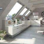 Weisse Küche Modern Wohnzimmer Weisse Küche Modern Moderne Dachschrgen Kche In Hochglanz Wei Einbauküche Kaufen Industrielook Arbeitstisch Gardinen Für Blende Abluftventilator