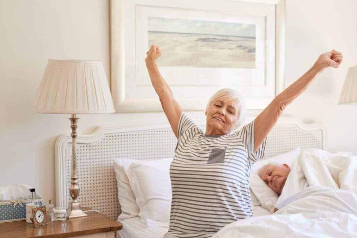 Medium Size of Seniorenbett 90x200 Test Empfehlungen 05 20 Einrichtungsradar Bett Weiß Mit Lattenrost Und Matratze Bettkasten Kiefer Weißes Schubladen Betten Wohnzimmer Seniorenbett 90x200