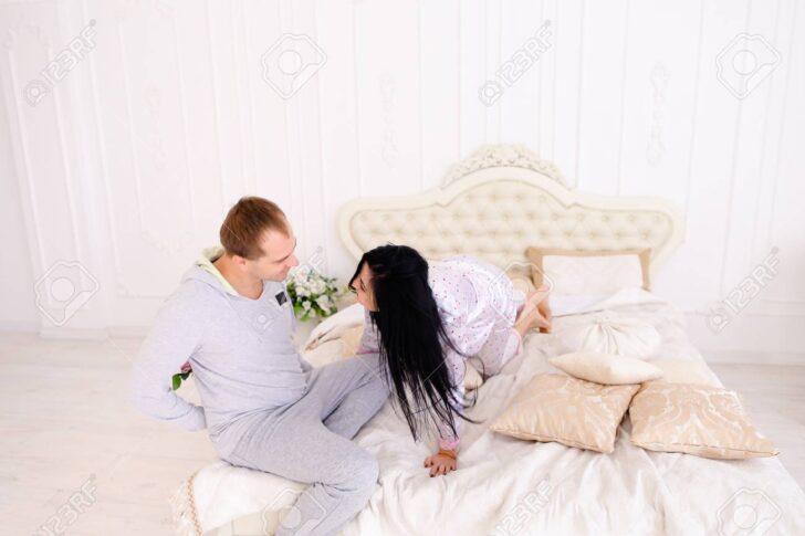 Medium Size of Mädchenbetten Durchdachter Kerl Holte Blume Zum Mdchenbett Fr Guten Morgen Wohnzimmer Mädchenbetten