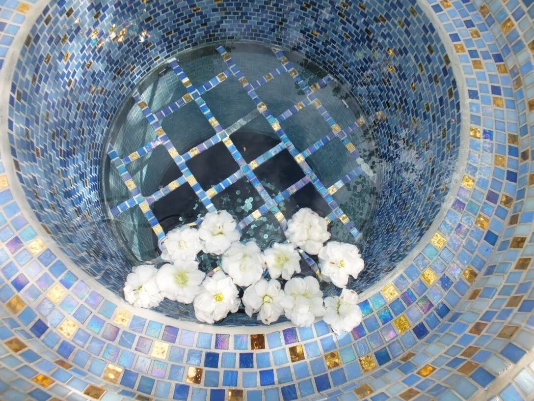 Large Size of Mosaikbrunnen Selber Bauen G Slandi Ich In Island Von Akureyri Nach Egilstair Bett Zusammenstellen 180x200 Küche Planen Boxspring Neue Fenster Einbauen Wohnzimmer Mosaikbrunnen Selber Bauen