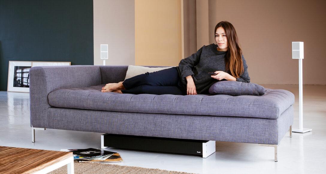 Large Size of Sofa Mit Musikboxen Couch Lautsprecher Bluetooth Und Led Poco Big Licht Integriertem Eingebauten Lautsprechern Subwoofer Aufstellen Tipps Fr Ideale Position Wohnzimmer Sofa Mit Musikboxen