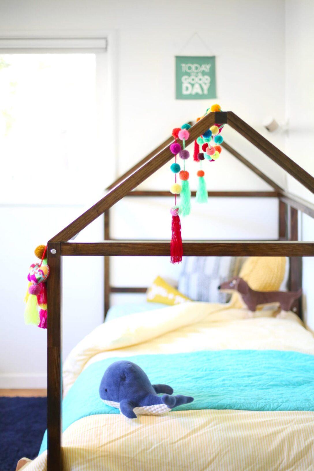 Large Size of Kura Hack Diy Ikea Bed Lovely Indeed Wohnzimmer Kura Hack