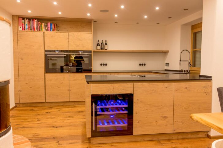 Medium Size of Küchen Rustikal Kche Eiche Küche Rustikaler Esstisch Holz Regal Rustikales Bett Wohnzimmer Küchen Rustikal