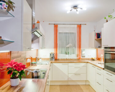 Moderne Küche U Form Wohnzimmer Moderne Küche U Form Kche Klassische Kchenform Mit Modernem Stil Bodengleiche Dusche Duschen Landhausküche Einbauküche E Geräten Regal Modular