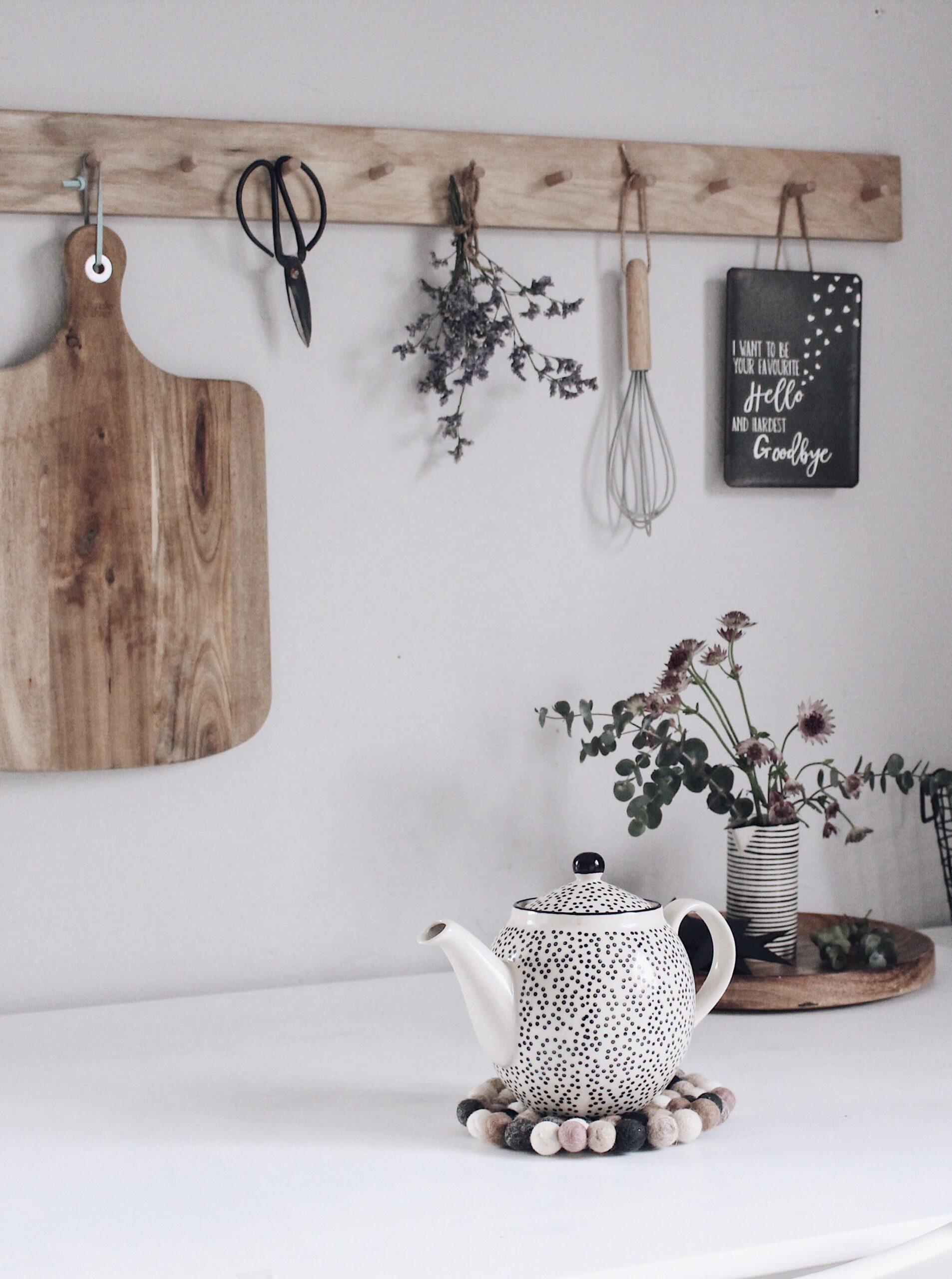 Full Size of Wandregal Holz Küche Singleküche Edelstahlküche Gebraucht Einbauküche Mit Elektrogeräten Sofa Holzfüßen Holztisch Garten Bodenbeläge Sideboard Billig Wohnzimmer Wandregal Holz Küche