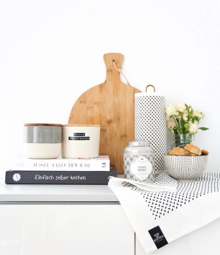 Medium Size of Kleine Einbauküche Landhausküche Gebraucht Lampen Küche Glaswand U Form Led Deckenleuchte Apothekerschrank Doppel Mülleimer Vorratsdosen Schrankküche Wohnzimmer Wanddeko Küche Modern