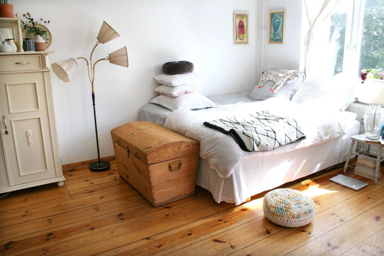 Full Size of Kamin Modern Kaminofen Preis Modernisieren Kosten Alte Kachelofen Vorher Nachher Offener Preise Kaufen Elektrisch Wohnzimmer Twin Bed 15 Elegant Hotelzimmer Wohnzimmer Kamin Modern