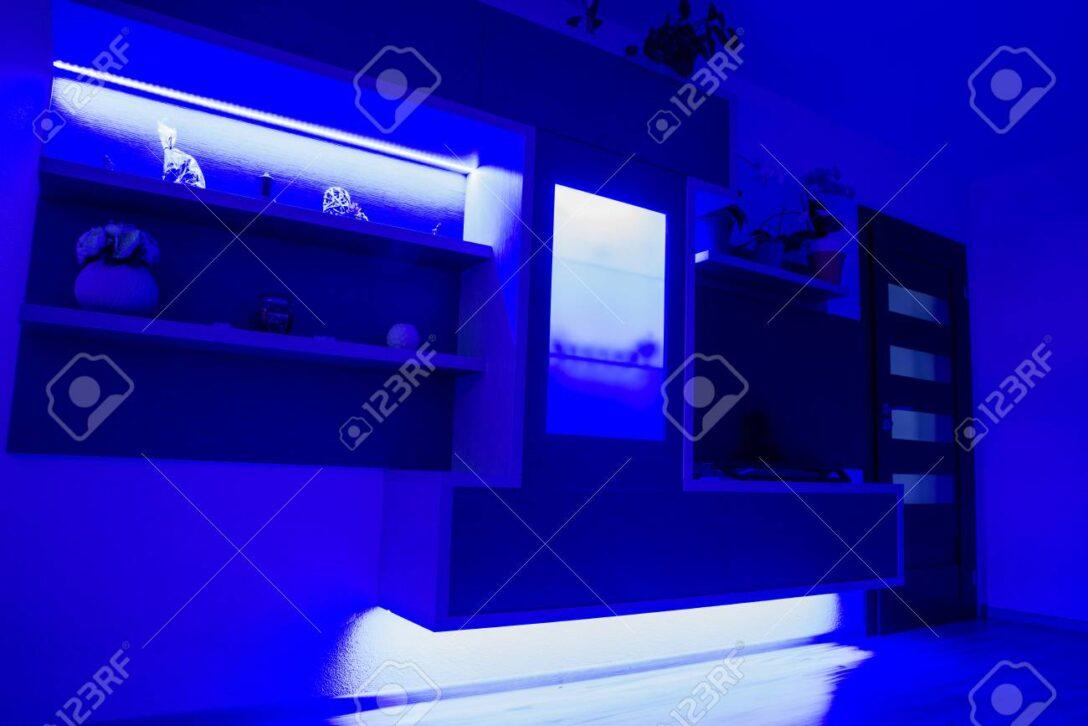 Large Size of Wohnzimmer Led Beleuchtung Spots Lampe Selber Bauen Ebay Mit Fernbedienung Streifen Farbwechsel Panel Erfahrung Wieviel Watt Planen Braun Leiste Gestaltete Wohnzimmer Wohnzimmer Led