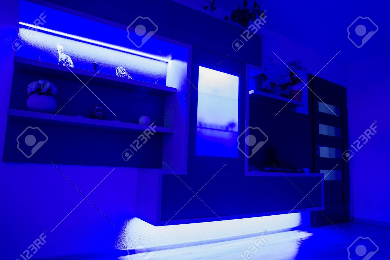 Full Size of Wohnzimmer Led Beleuchtung Spots Lampe Selber Bauen Ebay Mit Fernbedienung Streifen Farbwechsel Panel Erfahrung Wieviel Watt Planen Braun Leiste Gestaltete Wohnzimmer Wohnzimmer Led
