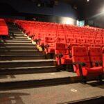 Kino Mit Betten Metropol Studium In Innsbruck Singleküche E Geräten Küche Kochinsel Bett 200x200 Bettkasten Pantryküche Kühlschrank Massiv 2 Sitzer Sofa Wohnzimmer Kino Mit Betten