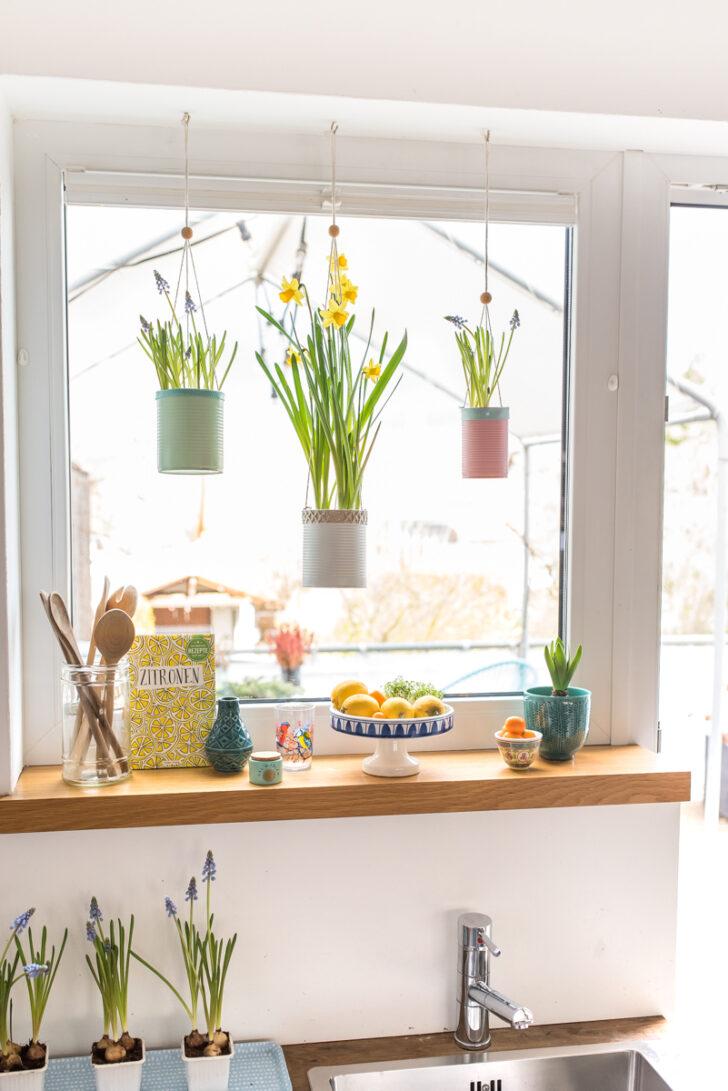 Medium Size of Küche Fenster Frhling Am Mit Upcycling Blumenampeln Leelah Loves Wandpaneel Glas Rollos Innen Einbauen Led Panel Schwarze Waschbecken Blende Komplette Wohnzimmer Küche Fenster