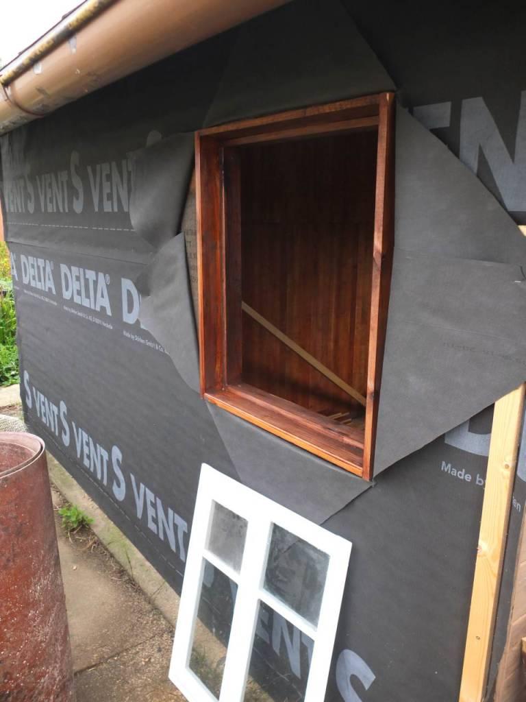 Full Size of Fensterfugen Erneuern Renovierung Der Gartenlaube Teil 3 Rckwand Und Fenster Kosten Bad Wohnzimmer Fensterfugen Erneuern