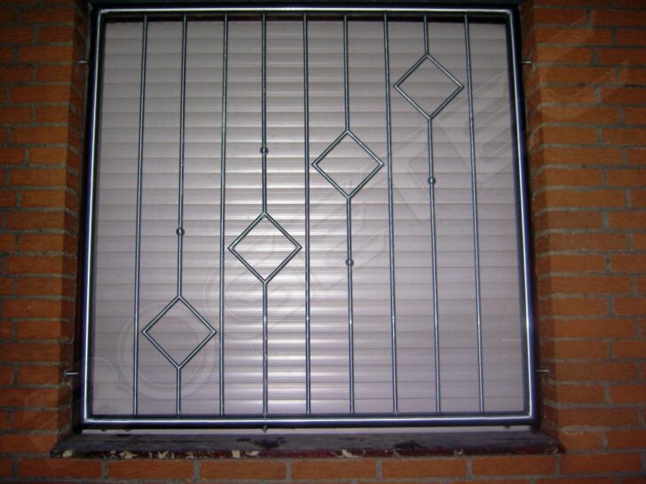 Medium Size of Fenstergitter Einbruchschutz Modern Etiqueta En Modernes Bett Moderne Esstische Gitter Fenster Sofa Deckenleuchte Schlafzimmer Folie Deckenlampen Wohnzimmer Wohnzimmer Fenstergitter Einbruchschutz Modern