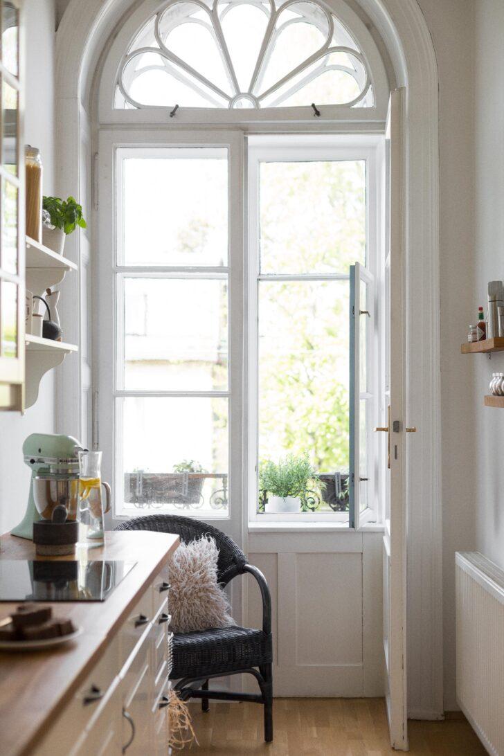 Medium Size of Kchenfenster Kche Altbau Wien Couch Fenster Veka Sicherheitsfolie Test Laminat In Der Küche Billige Kräutertopf Sichtschutz Ausstellungsstück Sitzecke Auf Wohnzimmer Küche Fenster