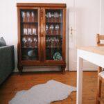 Vitrine Bilder Ideen Couch Fürs Wohnzimmer Led Deckenleuchte Vinylboden Xxl Fototapete Schrankwand Hängeschrank Schrank Lampen Indirekte Beleuchtung Wohnzimmer Wohnzimmer Vitrine