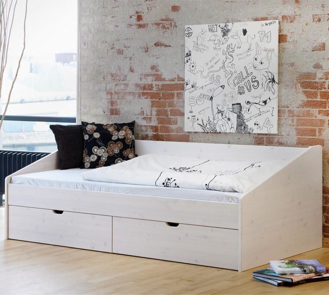 Large Size of Stauraum Bett 120x200 Ikea Weie Bettwsche Regal Mit Tren Wei Hochglanz Haus Kolonialstil Rückenlehne Badewanne Bette Ruf Betten Preise 2x2m Hunde 120 Wohnzimmer Stauraum Bett 120x200 Ikea
