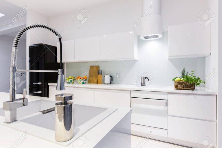 Medium Size of Weisse Küche Raffrollo Günstig Mit Elektrogeräten Arbeitsplatte Wohnzimmer Einrichten Landhausküche Tapeten Für Die Gebrauchte Lieferzeit Schreinerküche Wohnzimmer Weisse Küche Modern