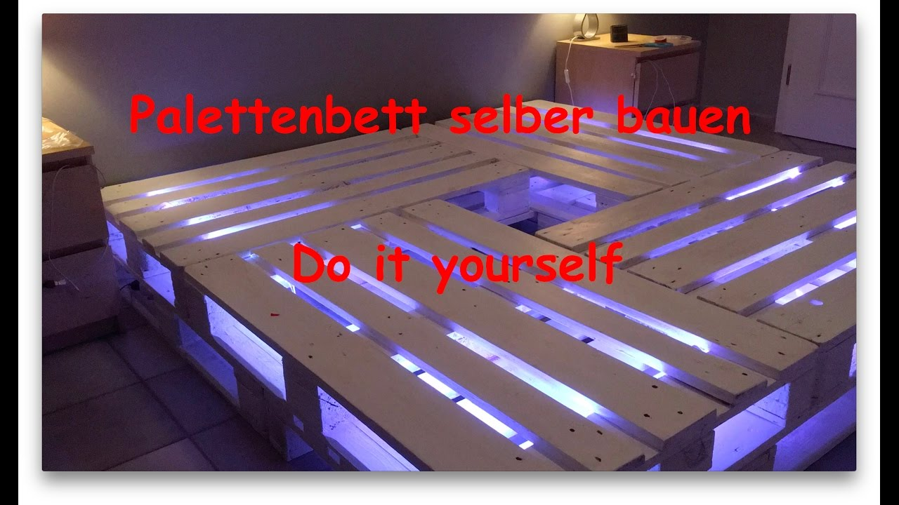 Full Size of Bauanleitung Bauplan Palettenbett Selber Bauen Youtube Wohnzimmer Bauanleitung Bauplan Palettenbett