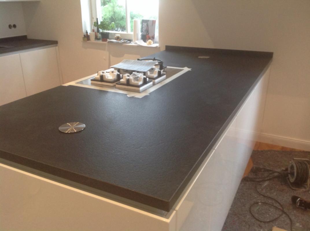 Full Size of Granit Arbeitsplatte Mannheim Nero Devil Black Küche Sideboard Mit Granitplatten Arbeitsplatten Wohnzimmer Granit Arbeitsplatte