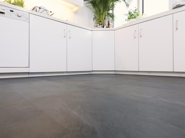 Medium Size of Küchenboden Vinyl D C Home 10 Einfache Diy Steps Fr Mehr Raumgefhl In Deiner Kche Vinylboden Wohnzimmer Küche Fürs Bad Im Verlegen Badezimmer Wohnzimmer Küchenboden Vinyl