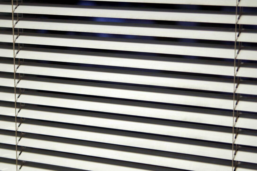 Large Size of Jalousie Innen Fenster Test Empfehlungen 05 20 Gartenbook Insektenschutzgitter De Rolladen Nachträglich Einbauen Mit Sprossen Maße Köln Rollos Wohnzimmer Jalousie Innen Fenster