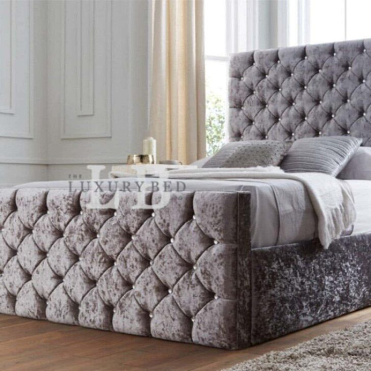 Medium Size of Chesterfield Bett Samt Grau The Luxury Bed Co Kristall Mit Kopfteil Matratze Sofa Stoff 120x200 Weiß Clinique Even Better Make Up 180x200 Bettkasten Boxspring Wohnzimmer Chesterfield Bett Samt Grau