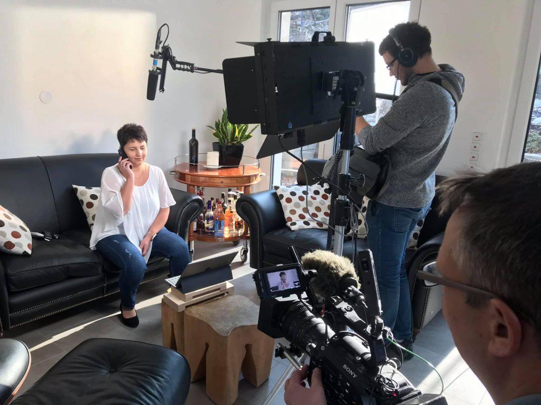 Large Size of Kchen Quelle Film Abgedreht Telefilm Filmproduktion Küchen Regal Wohnzimmer Küchen Quelle