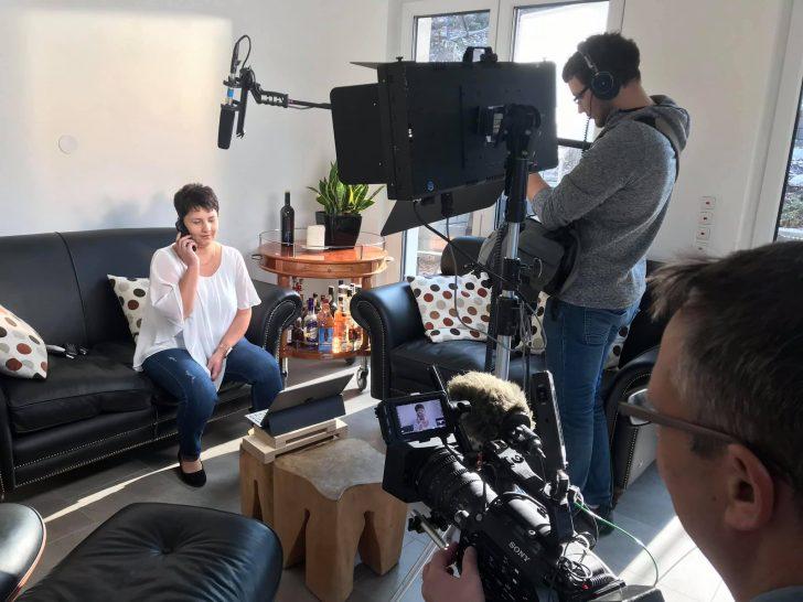 Medium Size of Kchen Quelle Film Abgedreht Telefilm Filmproduktion Küchen Regal Wohnzimmer Küchen Quelle