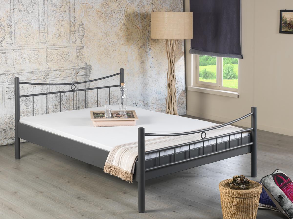 Full Size of Modernes Metallbett Lily Von Bedbombel Und Schnes Bett Weiß 100x200 Betten Wohnzimmer Metallbett 100x200