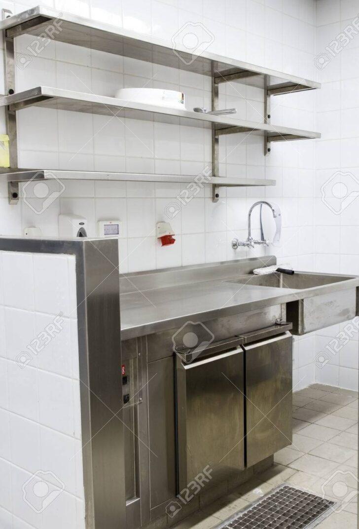 Medium Size of Küche Professionelle Kche Gardinen Für Die Aluminium Verbundplatte Modulare Kaufen Günstig Günstige Mit E Geräten Möbelgriffe Erweitern Sitzgruppe Wohnzimmer Küche Edelstahl