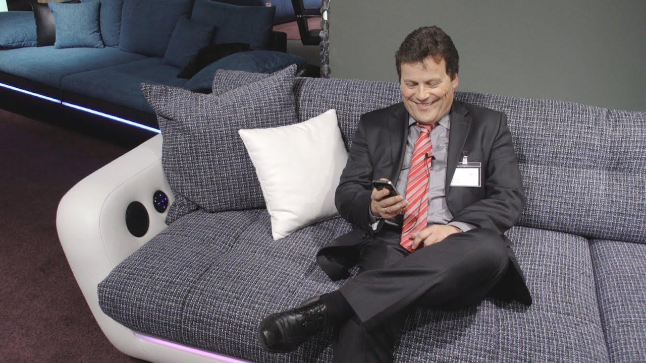 Full Size of Sofa Mit Eingebauten Lautsprechern Couch Musikboxen Lautsprecher Und Led Licht Integriertem Big Bluetooth Poco Trendline Trendsetter Multimedia Farbiger Wohnzimmer Sofa Mit Musikboxen