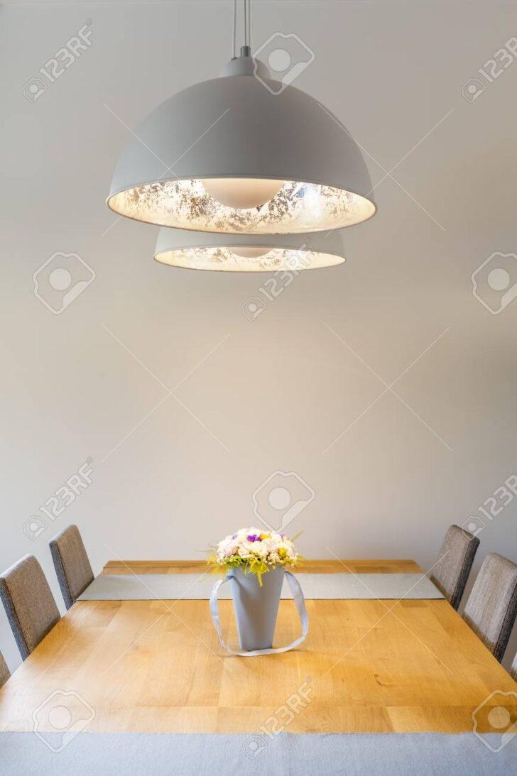 Medium Size of Holz Lampe Esstisch Selber Bauen Led Rund 2 Ring Linus Anleitung Obi Weier Raum Mit Und Lizenzfreie Fotos Wohnzimmer Holz Deckenleuchte