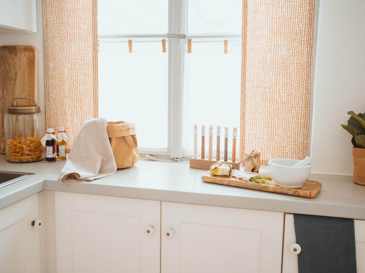 Full Size of Moderne Küchenvorhänge Willkommen In Unserem Journal Geschenkeria Bilder Fürs Wohnzimmer Esstische Landhausküche Modernes Bett Duschen 180x200 Sofa Wohnzimmer Moderne Küchenvorhänge