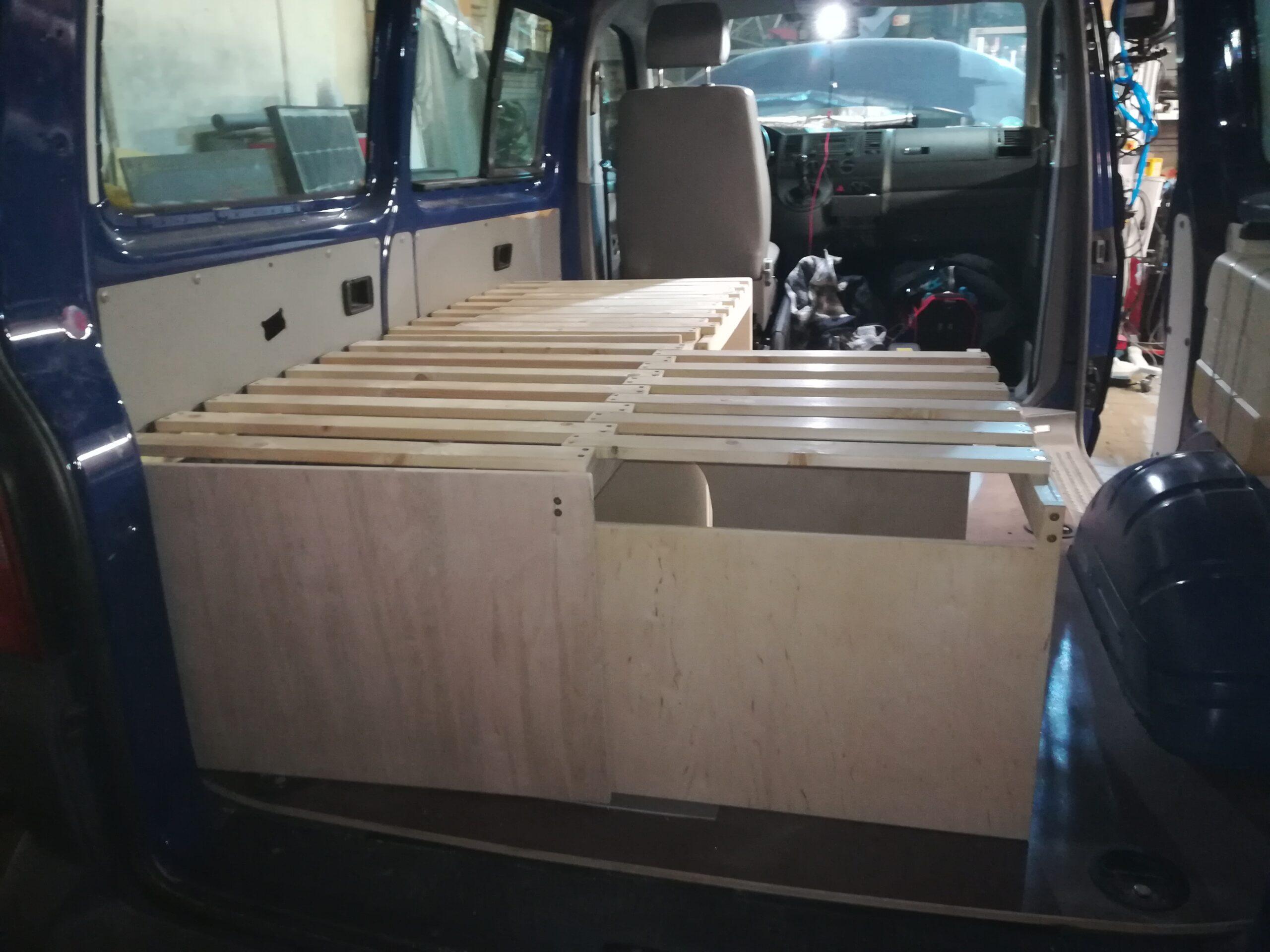Full Size of Ausziehbett Camper Vw T5 Vascos Campervan Wohnmobil Service Bett Mit Wohnzimmer Ausziehbett Camper