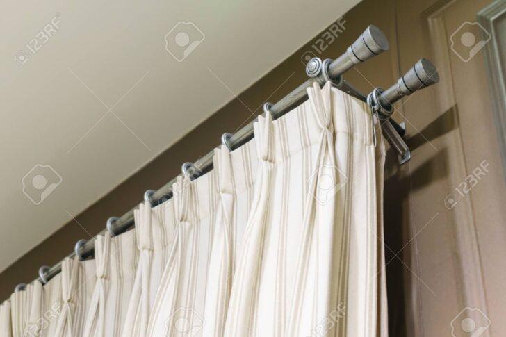 Medium Size of Weien Vorhnge Mit Ring Top Schiene Schlafzimmer Vorhänge Wohnzimmer Küche Wohnzimmer Vorhänge Schiene