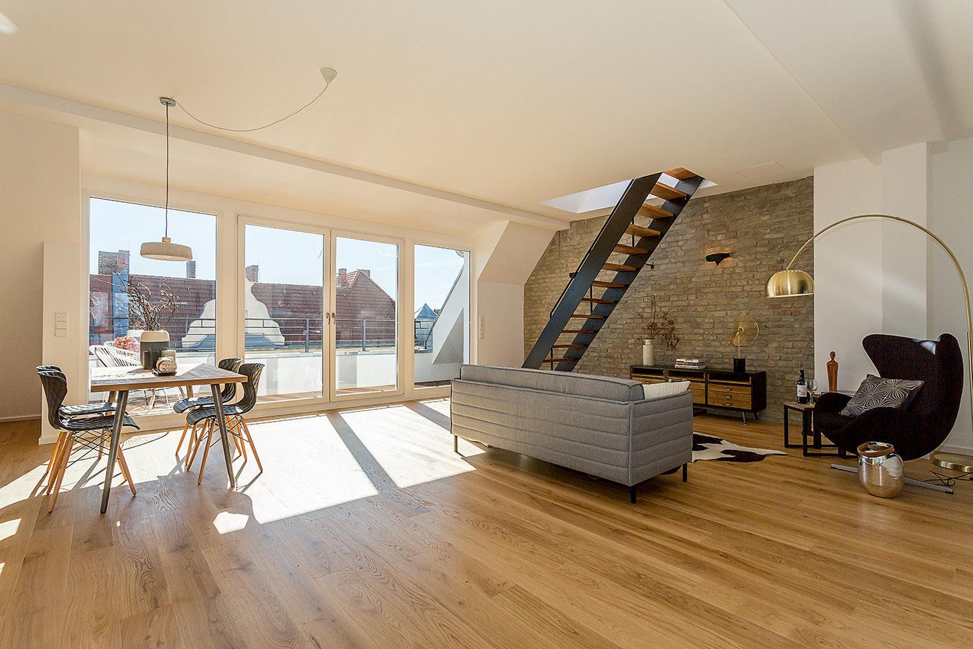 Full Size of Dachgeschosswohnung Einrichten Kleine Beispiele Ikea Schlafzimmer Tipps Ideen Küche Badezimmer Wohnzimmer Dachgeschosswohnung Einrichten