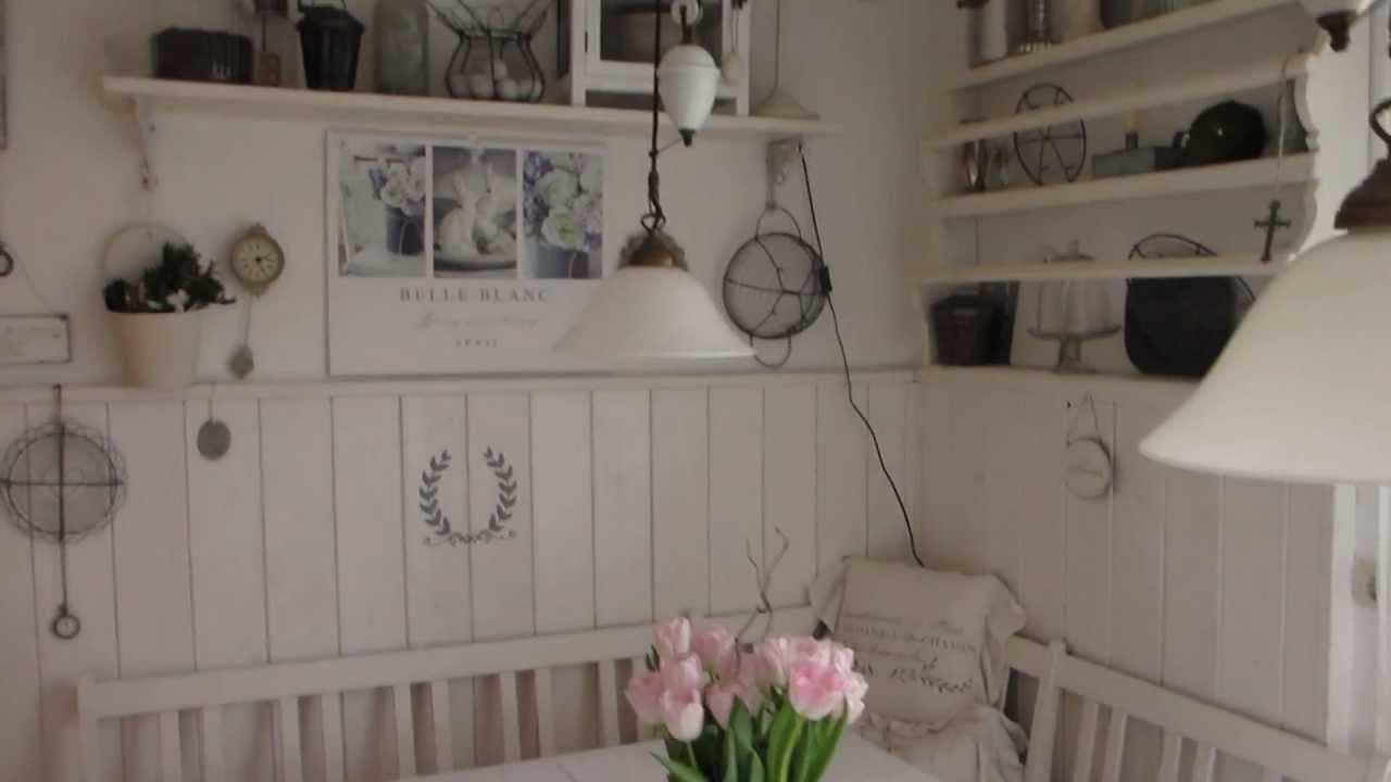 Full Size of Küche Shabby Heidi S Home Weie Sitzecke In Der Kche Mit Wasserhahn Wandanschluss Hängeregal Deckenleuchten Blende Modulküche Holz Mülltonne Kaufen Ikea Wohnzimmer Küche Shabby