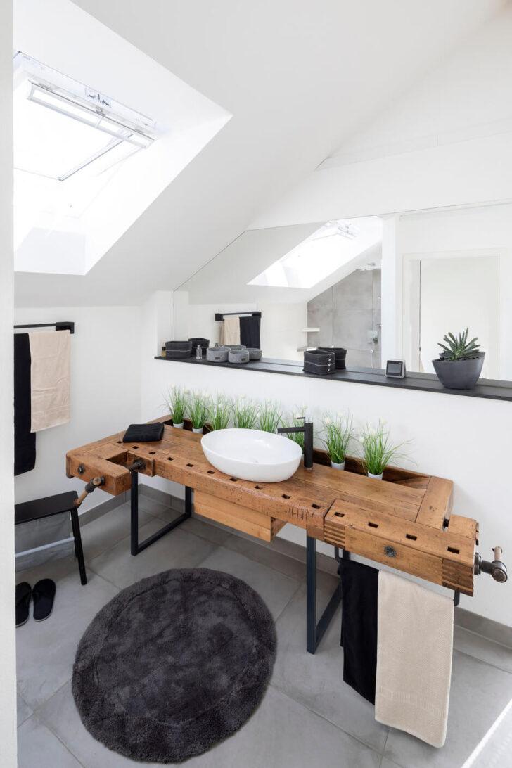 Medium Size of Badezimmer Im Dachgeschoss Planen Kleine Küche Einrichten Wohnzimmer Dachgeschosswohnung Einrichten