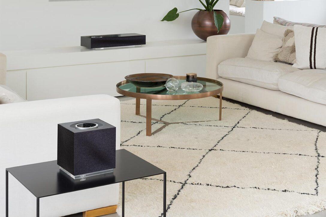 Large Size of Couch Mit Lautsprecher Sofa Eingebauten Lautsprechern Musikboxen Und Licht Integriertem Led Bluetooth Big Poco Naim Mu So Qb 2 Wlan Airplay Hocker Schilling Wohnzimmer Sofa Mit Musikboxen