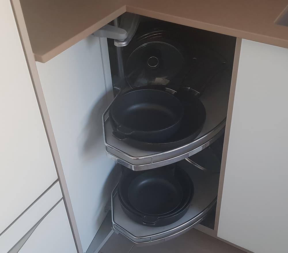 Full Size of Eckschrnke Kche Mit Praktischen Schrnken Ecken Optimal Nutzen Küchen Regal Eckschrank Küche Schlafzimmer Bad Wohnzimmer Küchen Eckschrank Rondell