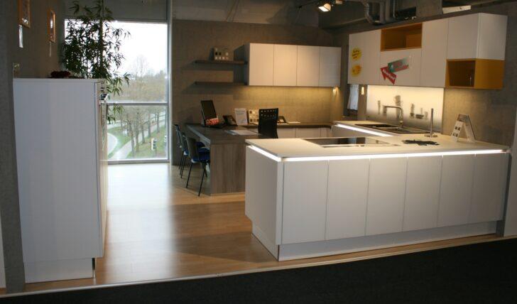 Medium Size of Nolte Küchen Glasfront Moderne Einbaukche Glas Tec Satin 181285 Der Firma Küche Betten Schlafzimmer Regal Wohnzimmer Nolte Küchen Glasfront